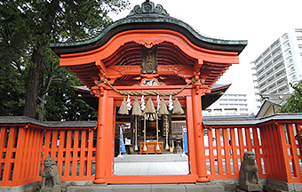 Tsutsujigaoka hill and shrine of Tenjin
